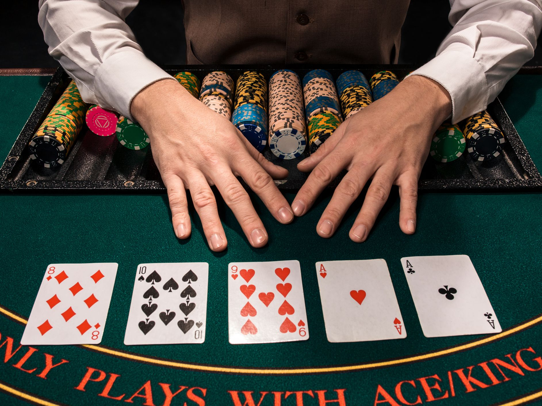Benefits To Play Online Poker Games – Gambling
