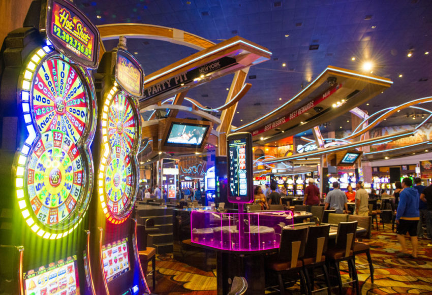 How Eight Issues Will Change The Best Way You Method Casino